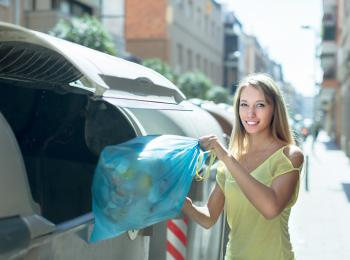 Custom compostable and sustainable trash bags